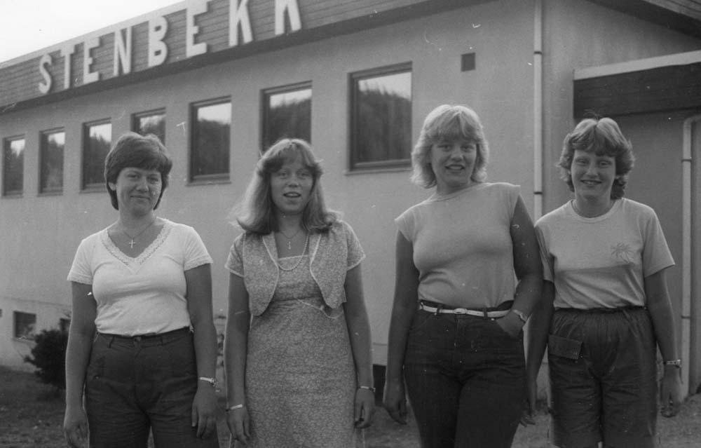 1983 4 søstre Slettevold