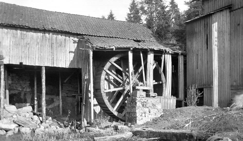 Sagbruket med det store vannhjulet