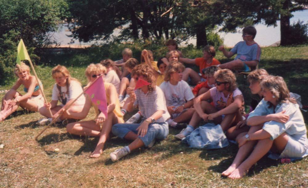 1986 Tenleir Besøk på Sauevika  pust i bakken