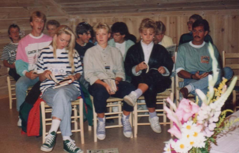 1989 Kapellet tas i bruk, tenleir